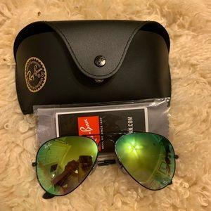 Ray-Ban Accessories - Black and green Ray-van aviators
